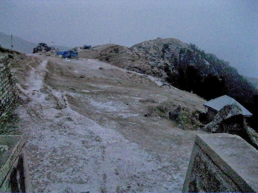 Surprise Triund Snowfall in November